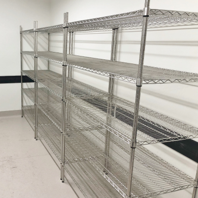 chrome-wire-shelving-in-room-400x400